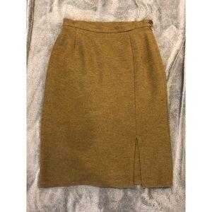 Dresses & Skirts - Geiger pure wool skirt size 42.